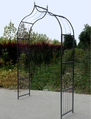 Greenfingers Maldon garden arch in powder-coated metal.