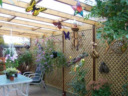Copyright image: What a fabulous job John made of his lean-to pergola, using the lean-to pergola plans!